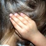 耳がこもるような違和感がする原因と治し方一覧!