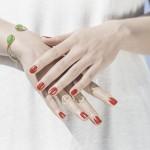 爪噛みがやめられない!爪を噛む癖の4つの原因と治し方を解説!