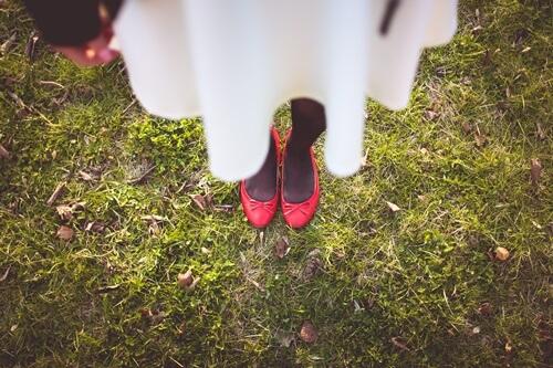 女の子の足元